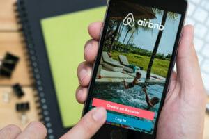 【速報】Airbnb、約33億円規模の投資などを含む新戦略を発表 一連の全削除騒動を受けて